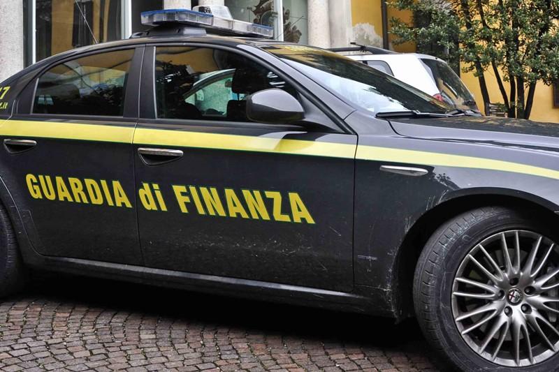 Automobile della Guardia di Finanza